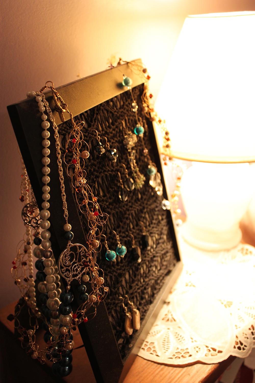 Easy DIY Jewelry Storage