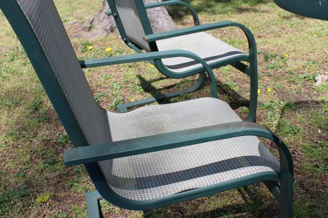 refurbish outdoor furniture with spray paint like new 1