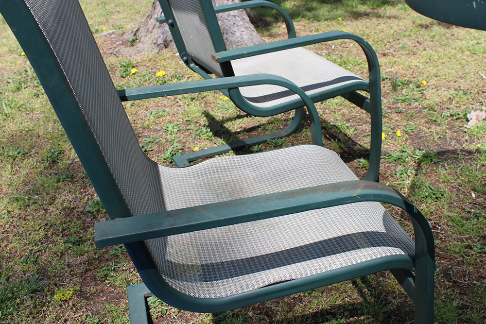 Charmant Revive Old Word Outdoor Deck Furniture With Spray Paint