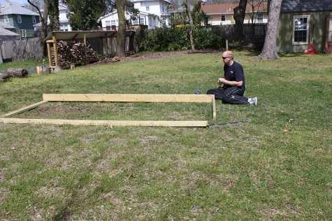 how_to_build_a_garden-DIY_raised-Garden_bed_project00