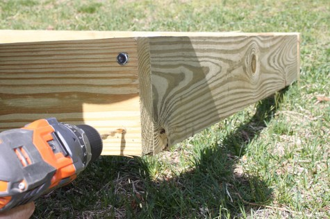 How to build a garden: DIY Raised Garden Bed
