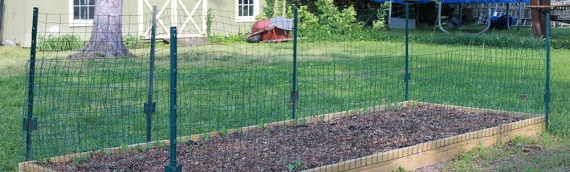 How to build a simple fence for your raised garden {slideshow}