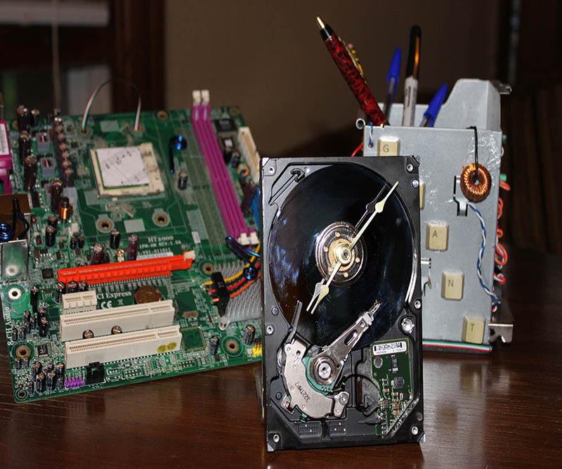 Repurpose An Old Computer Hard Drive Clock Wall Art