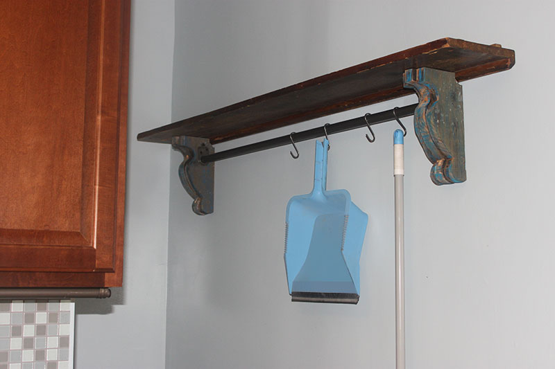 Easy DIY Shelf Brackets & Wood Shelf crafted from Reclaimed Wood 1 ...