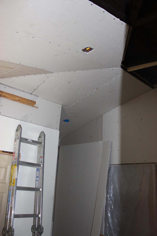 Mudroom Renovation Drywall Goes Up 1 More Than 2 1